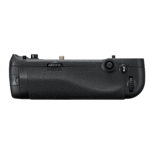 Nikon MB-D18 Multi-Battery Grip